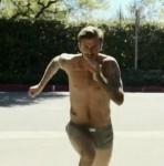 H&M'in yeni reklamında Beckham koşusu