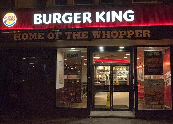 Burger King'den at etiyle ilgili özür ilanı