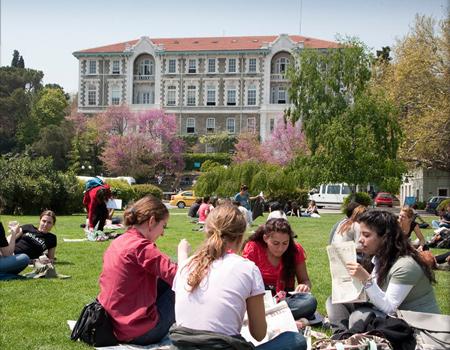 Boğaziçi Üniversitesi'nde 'Maske Düştü, İletişim Göründü'