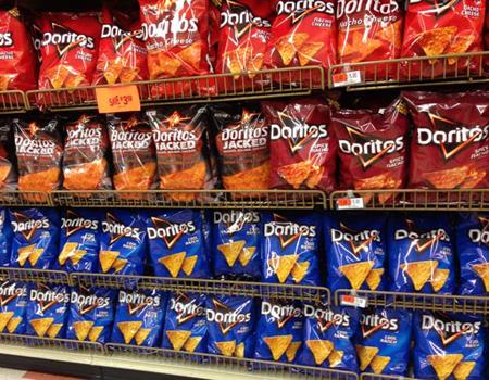 Doritos'ta paket ve logo değişikliği