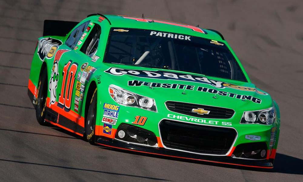 nascar-godaddy-st-patricks-day-car