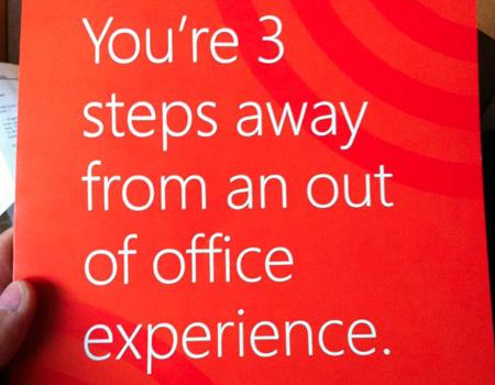 Microsoft'tan kablosuz ağ noktasını içinde taşıyan dergi reklamı