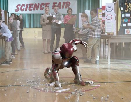 Verizon internet servisini mini Iron Man yardımıyla tanıttı