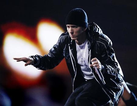 Eminem Facebook'a dava açmaya hazırlanıyor