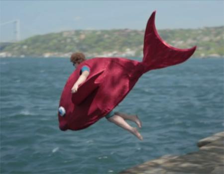 Red Bull'dan Uçuş Günü'ne özel reklam filmleri