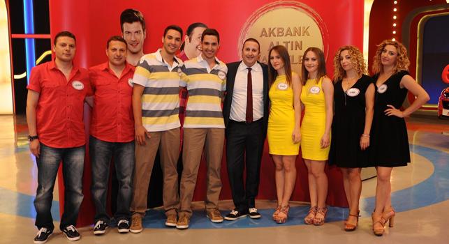 'Ben Bilmem Eşim Bilir' Akbank'ın katkıları ile özel program yayınladı.