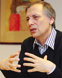 Unilever Türkiye CEO'su İzzet Karaca