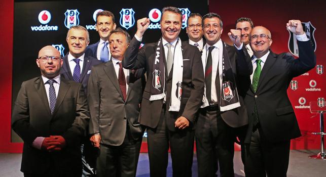 Türk spor tarihinin en büyük sponsorluk anlaşmasında imzalar atıldı.