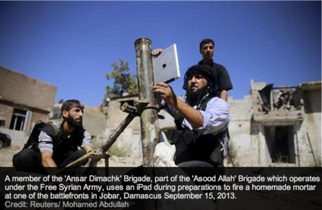 Özgür Suriye Ordusu havan topu hedeflerini iPad yardımıyla buluyor.