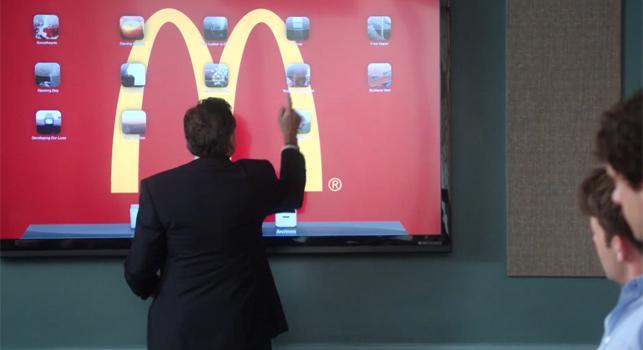 Robin Williams ekranlara bir reklam ajansı komedisi ile dönüyor
