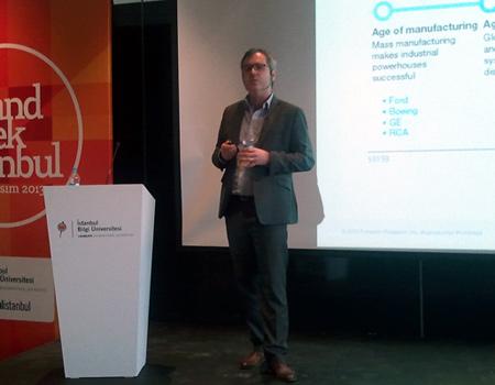 Anthony Mullen trendlerin pazarlama üzerindeki etkilerini anlattı.