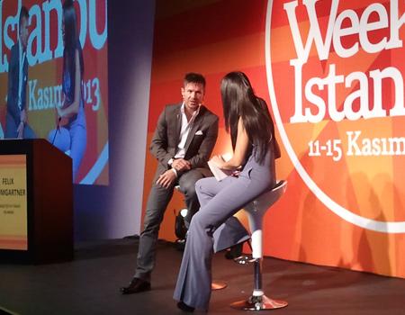Korkusuz Felix Marketing Day'de sahnede Ece Üner'in sorularını yanıtladı.