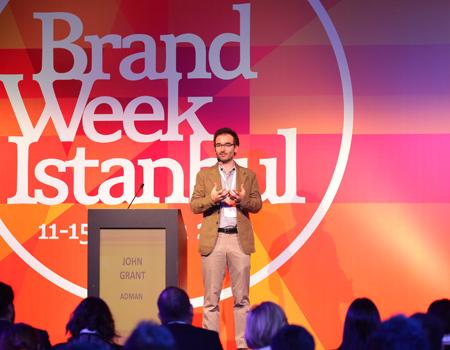 John Grant, sunumunda Türk markalarının hikâyelerini anlattı'.