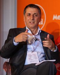 """Mehmet Övür: """"Seçimlerde medya desteği şart mı?"""""""