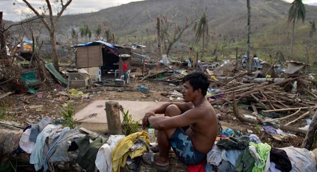 Coca-Cola, Filipinler'deki tüm reklam harcamalarını dondurarak bu kaynağı ülkeyi vuran Haiyan Tayfunu'nun olumsuz etkilerinin giderilmesine yardımcı olmak için ayırdı.