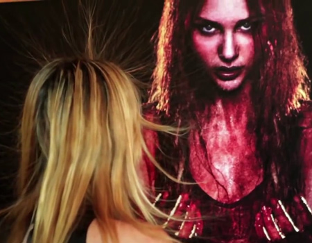 Sony, Carrie için yürüttüğü yaratıcı tanıtımlara bir yenisini ekledi.