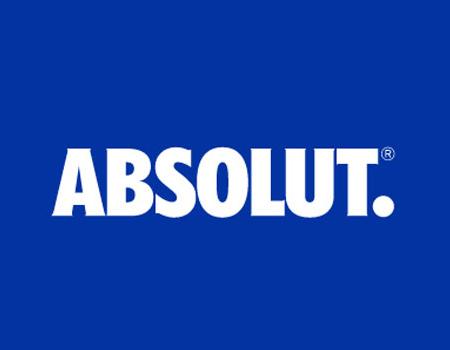 Eski logoyu minimalize eden marka artık sadece 'Absolut'u ön plana çıkarıyor.