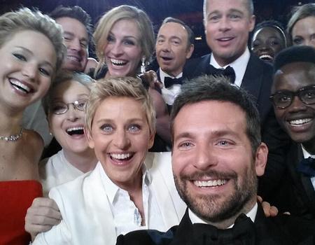 Ellen DeGeneres'in 2 milyondan fazla retweet'lenen selfie'si Samsung virali mi?