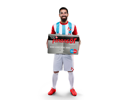 Türkiye Finans, futbol dünyasının yıldızlarını reklamlarına taşıyor.