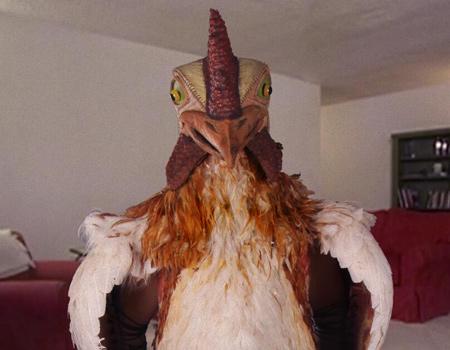 Burger King 10 yıl önce kullandığı efsane maskotu 'Chicken Big King' için hayata döndürüyor.