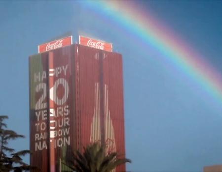 Coca-Cola 'Gökkuşağı Ulusu' Güney Afrika'da demokrasinin 20'nci yılını kutluyor.