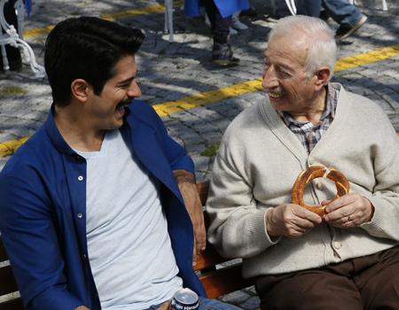 Pepsi Burak Özçivit'li son filmiyle 'Seviyorsan Aç Konuş' serisini sürdürüyor.