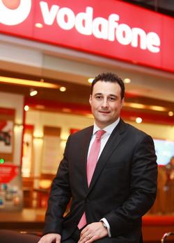 Cem Öztoprak, Vodafone