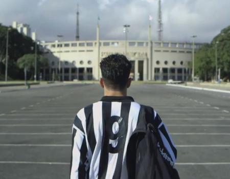 Brezilyalı bira markası Foca'dan futbolseverleri özgürleştiren fikir.