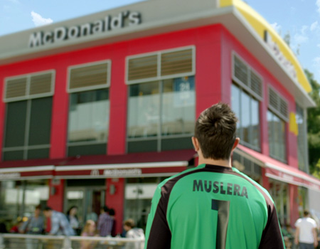 TBWA\ISTANBUL'un McDonald's için hazırladığı ilk filmde Muslera rol alıyor.