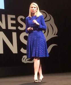 Yahoo CEO'su Marissa Mayer, dijital alışkanlıklarımızdan yola çıkarak dijital reklamlardaki yeni standartlar setini anlattı.