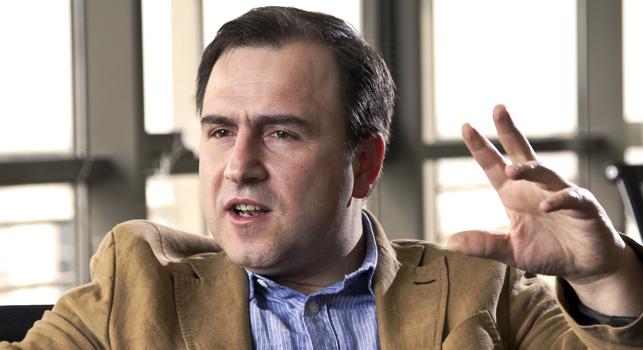 Habertürk Genel Yayın Yönetmeni Selçuk Tepeli internetin gazetelerin anlamlı bütünlüğüyle baş edemeyeceği görüşünde.