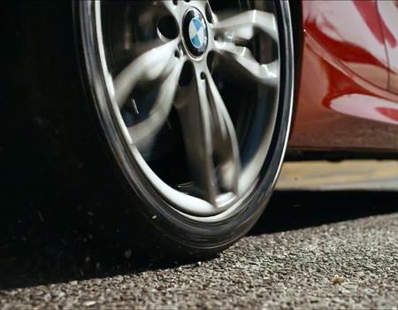 BMW'den bale gösterisi gibi reklam filmi