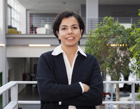 Özyeğin Üniversitesi İletişim Tasarımı Bölüm Başkanı Yrd. Doç. Dr. Simge Esin Orhun