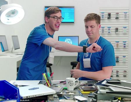 Samsung'dan iPhone 6 ve Apple Watch duyurularını tiye alan filmler