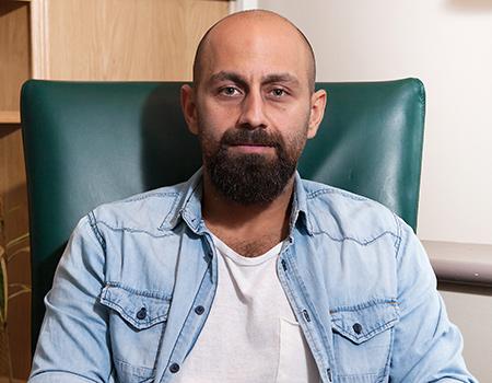 Rakibine yaptığı sıkı göndermelerle çok konuşulan Hurriyetemlak.com reklamlarını Kerem Kanık'tan dinledik.