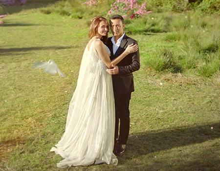 Mustafa Sandal ve eşi Köy'de buluştu