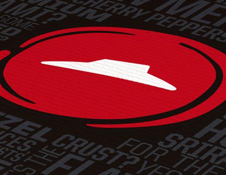 Pizza Hut logosunu ve mottosunu yeniliyor.