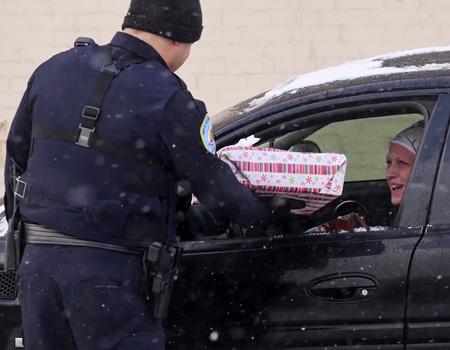 ABD'li polislerden şaşırtan PR