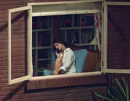 Arka pencerenizden beyaz perdeye