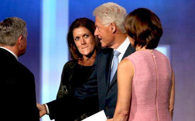 Wendy Clark'ın ABD'de başkanlık yarışına girmeye hazırlanan Clinton'ın ekibine katılacağı konuşuluyor.