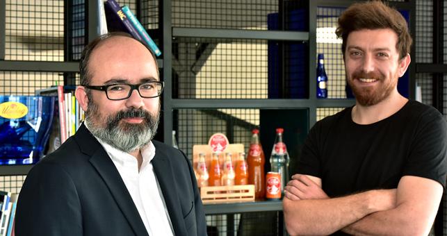 Zafer Külünk, Güzel Sanatlar Kreatif Direktörü (solda) ve Murat Zengin, Uludağ İçecek Pazarlamadan Sorumlu Genel Müdür Yardımcısı
