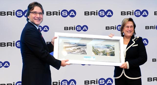 Brisa Genel Müdürü olarak görev yapan Hakan Bayman, 1 Eylül 2015 tarihi itibarıyla dünyanın en büyük lastik üreticisi olan Bridgestone Corporation'ın Bağımsız Devletler Topluluğu/Rusya, Ortadoğu ve Afrika (CMA) Bölgesi kıdemli başkan yardımcısı olarak atandı.