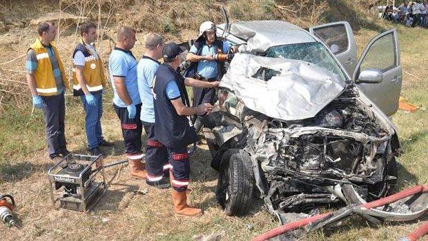 Esen Yeşilırmak ve oğlu dün gerçekleşen kazada yaşamını yitirdi.