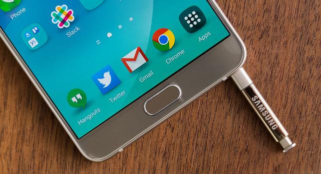 iPhone kullanıcılarına erişmek isteyen Samsung, yeni telefonları için test sürüşü öneriyor.