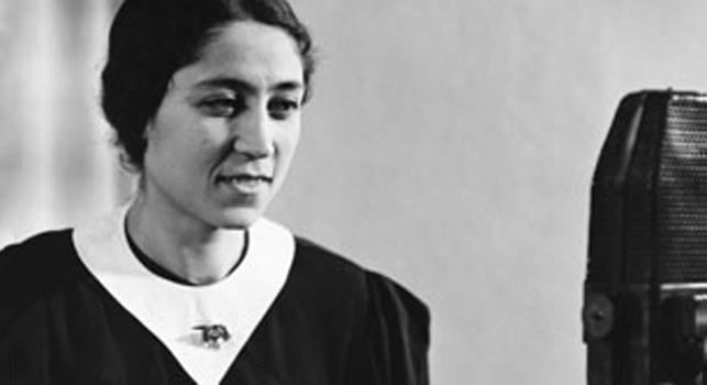 İlk Kadın Radyo Ve Haber Spikeri: Emel Gazimihal (1912-1998)