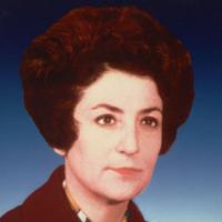 İlk Kadın Bakan: Türkân Akyol (1928- )