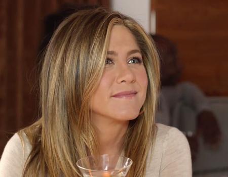 Emirates ile Jennifer Aniston'ın kabuslarına yolculuk