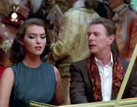 David Bowie'nin kariyerinden geçen reklamlar