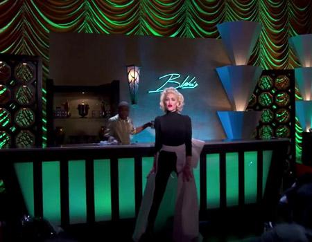 Target ve Gwen Stefani'den canlı yayın klip