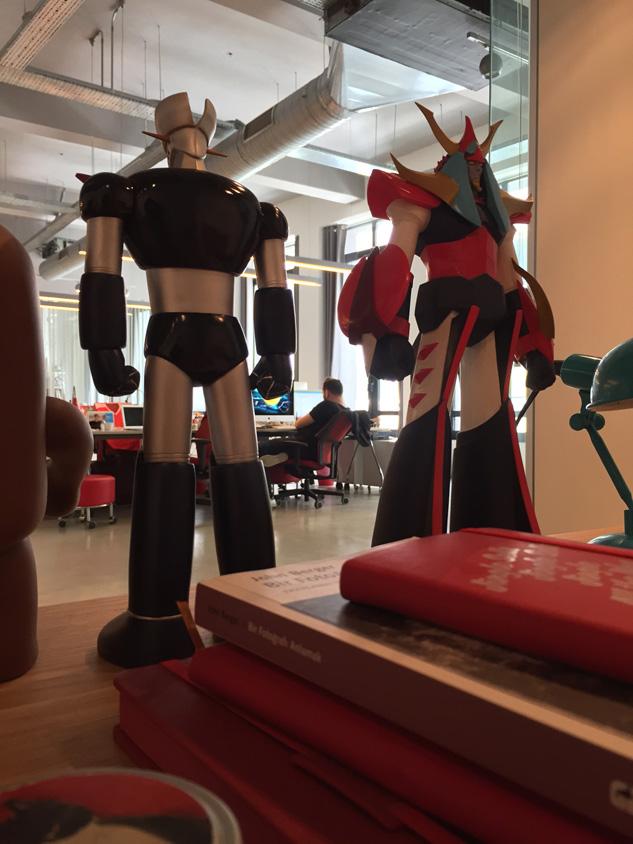 Y&R İstanbul: Robotsever Erkan Kaya'nın kimseye dokundurmadığı aşırı değerli robotları.